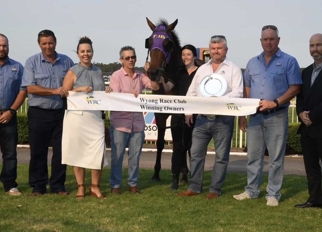 Commute wins Hudson Homes Wyong Town Plate in style 25